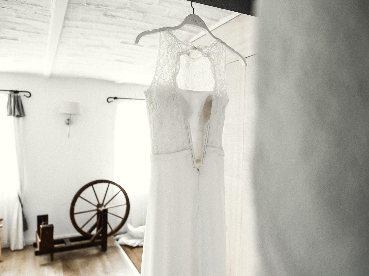 Hochzeitsreportage Spreewald Hochzeitskleid