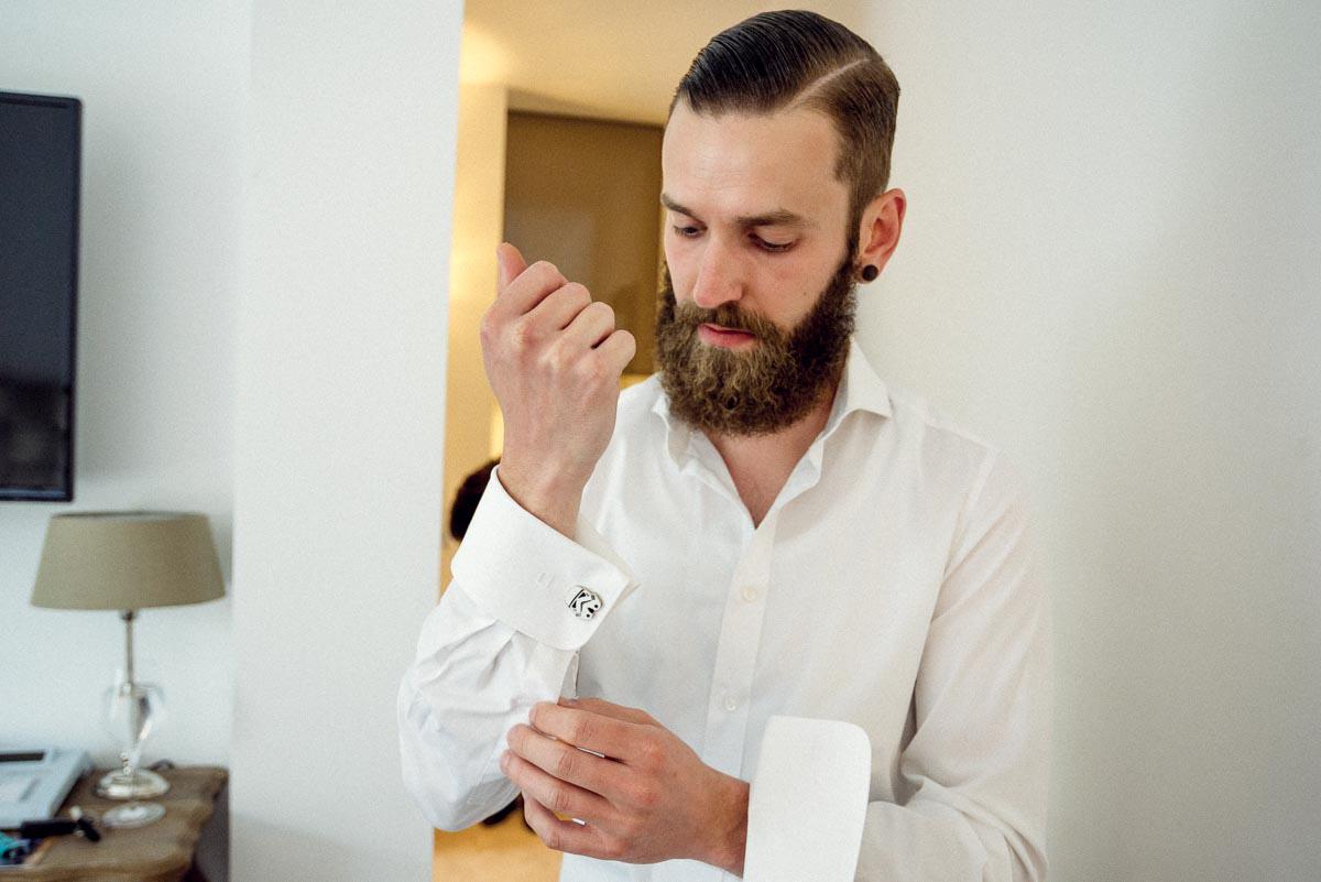 Hochzeit  Bräutigam Vorbereitung